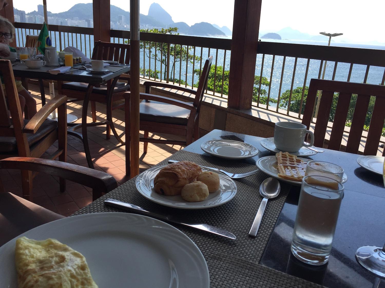 noite-de-núpcias-hotel-sofitel-copacabana-casamento-beta-pinheiro-cafe-da-manha-vista