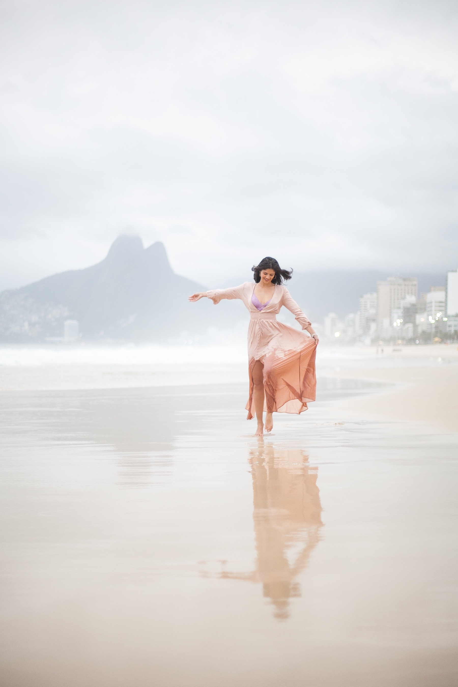 look-beta-pinheiro-vestido-revolve-14
